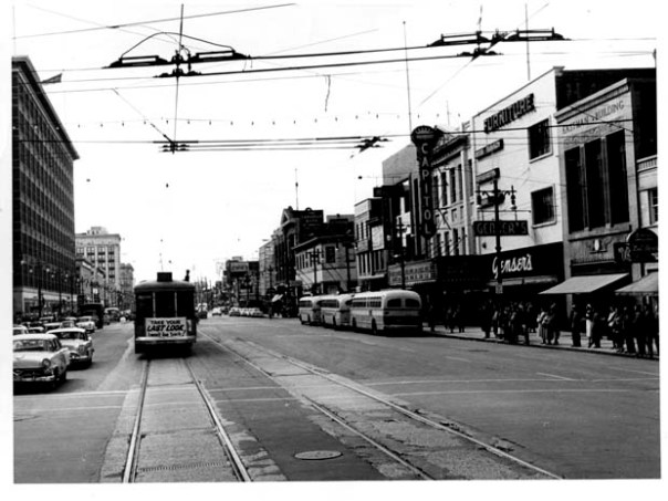 Last streetcar in Winnipeg nearing Portage and Smith